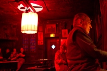 Au lapin agile red room with piano man at the cabaret