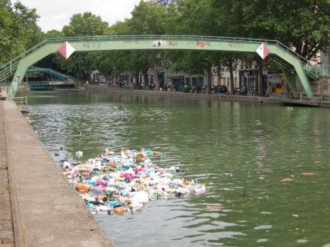 Fete de la musique did not treat the canal well.