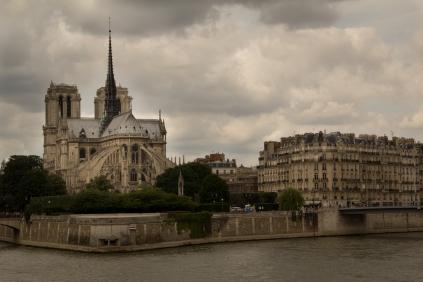 Pre-walk photo of Notre Dame.