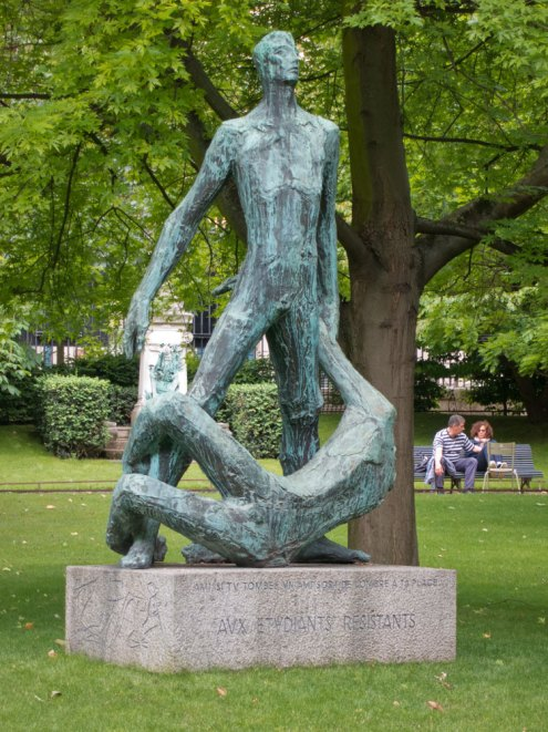 Monument in Luxembourg Gardens commemorating student resisters.