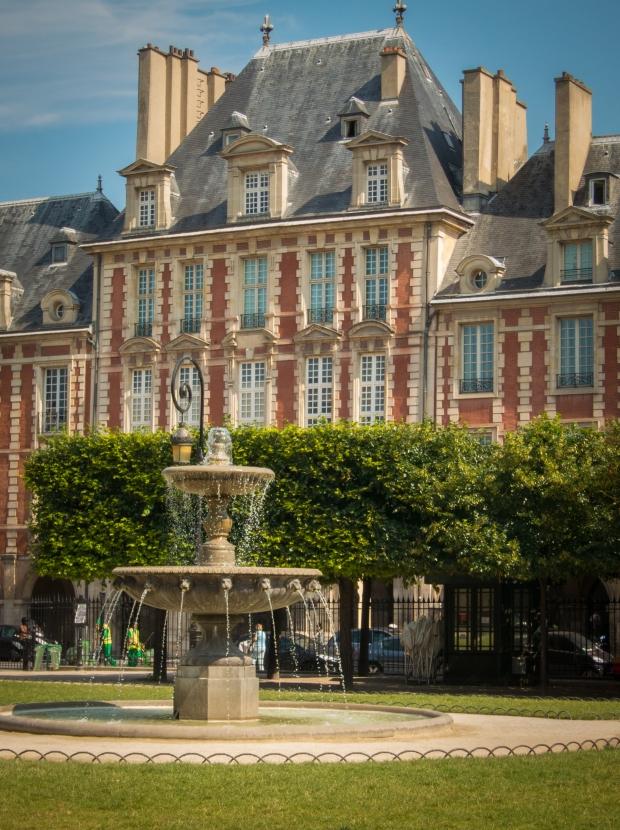 Place des Vosges 6