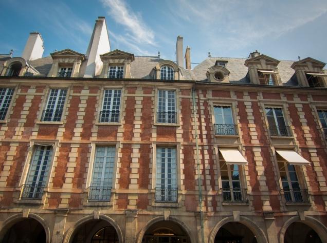 Place des Vosges 7
