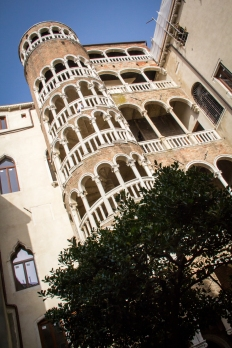 scala-contarini-del-bovolo-1-of-1